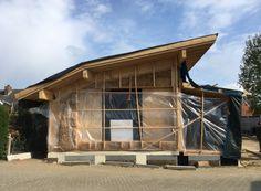 Bouwenmetstrobalen.nl - ecologisch verantwoord bouwen met strobalen kan architectuur worden House Styles, Outdoor Decor, Home Decor, Decoration Home, Interior Design, Home Interior Design, Home Improvement