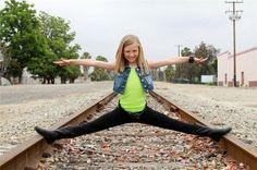autumn miller ! Awesome her!!! She needs to be on dancemoms!! Omg!