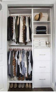 Below are the Ways To Makes Functional Small Closets Ideas. This post about Ways To Makes Functional Small Closets Ideas … Small Closet Design, Small Closet Space, Tiny Closet, Bedroom Closet Design, Small Wardrobe, Closet Designs, Closet Ideas For Small Spaces Bedroom, Bedroom Ideas, Pax Wardrobe