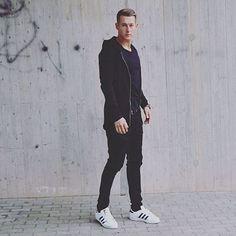 All black + tênis branco @modamasculinastyle