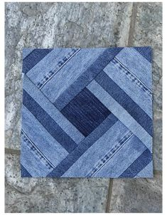Denim Quilts, Denim Quilt Patterns, Blue Jean Quilts, Scrappy Quilts, Patchwork Quilting, Patchwork Jeans, Jean Crafts, Denim Crafts, Rag Quilt