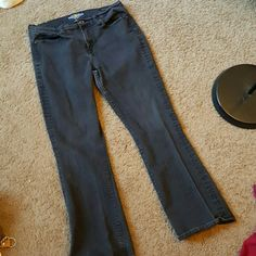 Lucky brand Sofia boot jeans Used, lucky brand denim jeans. Has a little wear at bottom of jeans which can be seen in last photo. Other than that, condition is good. Very little fade. Lucky Brand Pants