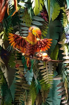 The Eternal Jungle - Vetrina realizzata in paper art.
