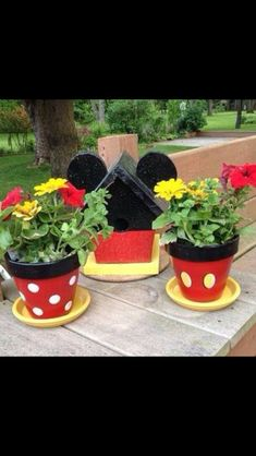 Mickey & Minnie flower pots (Just a picture, no link)