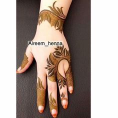 Mehendi (Lawsonia inermis) is a small freckle whose leaves are used to make girlfriends Indian Henna Designs, Latest Henna Designs, Floral Henna Designs, Henna Designs Feet, Finger Henna Designs, Mehndi Designs 2018, Stylish Mehndi Designs, Mehndi Designs For Girls, Bridal Henna Designs