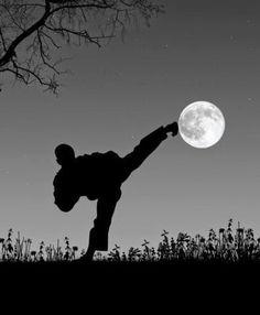 """Don't Limit Your Challenges, Challenge Your Limits""  #RRKA #Inspire @Bruce Lee"