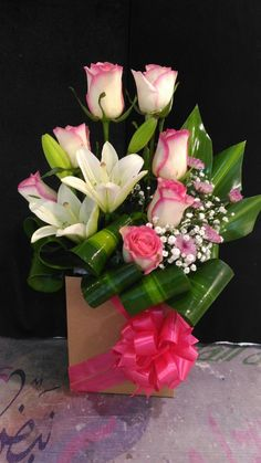 Designer Choice at Oceana Florists. Your local flower shop. Valentine's Day Flower Arrangements, Flower Arrangement Designs, Valentines Flowers, Flowers Delivered, Funeral Flowers, Wedding Flowers, Arte Floral, Flower Boxes, Flower Art