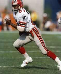 "Billy ""White Shoes"" Johnson, known for starting the trend of touchdown dances, made it to three pro-bowls in his 7 years with the falcons. But Football, Falcons Football, Canadian Football, Nfl Football Players, American Football, Football Helmets, Football Cards, Atlanta Falcons, Falcons Rise Up"