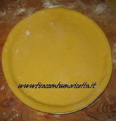 Definita anche pasta frolla antica, si utilizzava in specialmente nel passato ed oggi è impiegata per i dolci tradizionali