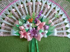 Одноклассники Fork Crafts, Plastic Spoon Crafts, Plastic Ware, Plastic Spoons, Diy And Crafts, Ribon Flowers, Kanzashi Flowers, Fabric Flowers, Fabric Crafts
