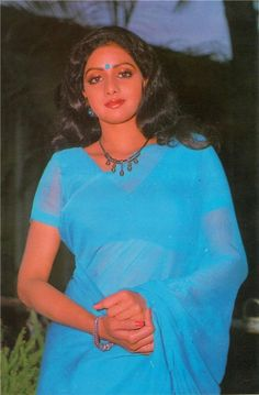Throw back photo Sridevi ji Old Bollywood Movies, Bollywood Cinema, Vintage Bollywood, Hot Images Of Actress, Actress Pics, 80s Actresses, Indian Actresses, Kiran Rathod, Actress Priyanka