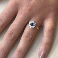 Sapphire And Diamond Earrings, Blue Sapphire Rings, Diamond Cluster Ring, Diamond Rings, Diamond Engagement Rings, Wedding Rings Vintage, Dress Rings, Pretty Rings, Vintage Diamond