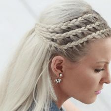 27 Elegant Side Braid Ideas To Style Your Long Hair « Fast Hairstyles Style your long Rapunzel hair with our elegant side braid ideas. Here you will find inspiration for your next braid, including crown and French braids. French Braid Hairstyles, Fast Hairstyles, Box Braids Hairstyles, French Braids, Wedding Hairstyles, Pretty Hairstyles, Hairstyles 2018, Dance Hairstyles, Romantic Hairstyles