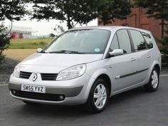 2005 55 GRAND SCENIC 1.6 VVT 111 EURO4 DYNAMIQUE * 6 7 SEATER * ONLY 59000 MILES £2750 www.thecarwarehouse.co.uk
