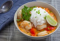 Thai shrimp soup with coconut, lemongrass & red curry [Recipe] | HellaWella