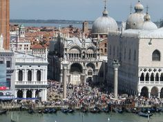 Venice – St. Mark's Square, gondoliers, Rialto Bridge, Venetian masks….