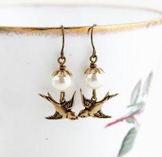 Vintage jewelry Tropical birds acrylic earrings Wereable art Exotic Birds earrings Cute exotic birds stud earrings Illustrated earrings