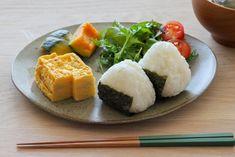 Onigiri, fried egg, boiled pumpkin, salad, just healthy … – Breakfast Recipes Japanese Dishes, Japanese Food, Asian Recipes, Healthy Recipes, Ethnic Recipes, Pumpkin Salad, Food Plating, Breakfast Recipes, Clean Eating