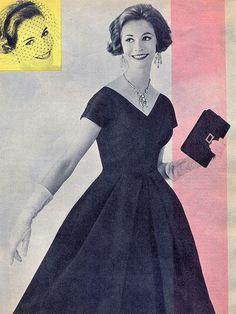 1950s - abito di crepe satin rosa denso o blu notte