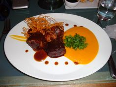 Cerdo 2 veces (chicharron de 12 horas y solomito cocinado en leche, glace de tamarindo y azúcar de palma, puré de camote peruano, habichuelinas al ajillo, salsa de cerdo especiada) @ Restaurant Carmen