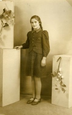 12990-9-Charlotte-Rechtschaffen.jpg 301×480 pixels. Was sent from Germany  to the Netherlands by her parents, to escape the Nazies. Arrived during the war in a KZ Lager and died alone. She was a dear friend of my mother, when she lived in Roermond. We wil always remember her. No one of her family survived the war.