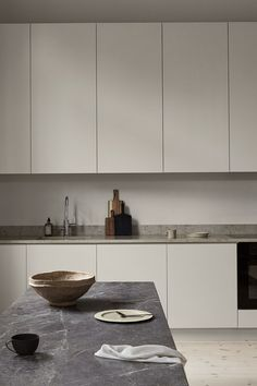 Modern Home Decoration .Modern Home Decoration Kitchen Interior, Kitchen Decor, Kitchen Rustic, Decorating Kitchen, Kitchen White, Diy Kitchen, Kitchen Ideas, Interior Decorating, Small Cottage Kitchen