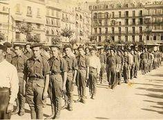 Foto de los primeros voluntarios requetés que se presentaron en Pamplona