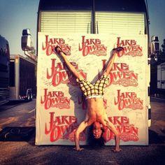 LOL! Jake Owen!! <3