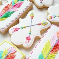 Boho cookies with feathers and arrows Baby Cookies, Baby Shower Cookies, Iced Cookies, Cute Cookies, Royal Icing Cookies, Cupcake Cookies, Sugar Cookies, Cakepops, Galletas Decoradas Baby Shower