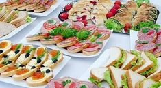 Buffet table, snacks and the atmosphere Diet Recipes, Cooking Recipes, Good Food, Yummy Food, Delicious Recipes, Wedding Appetizers, Party Platters, Food Stations, Russian Recipes