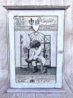 Sonislavka / Vintage skrinka na kľúče