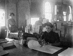 Bom História e Evolução da Máquina de Costura , História e Evolução da Máquina de Costura    Costura é a forma artesanal ou manufaturada de se juntar duas partes de um tecido, pano, couro, ... , Rogério Wilbert , http://blog.costurebem.net/2013/06/historia-e-evolucao-da-maquina-de-costura/ ,  #agulhasdecostura #BarthélemyThimonnier #CharlesWeisenthal #costura #costuramecânica #costureiras #EliasHowe #EstadosUnidos #HistóriaeEvoluçãodaMáquinadeCostura #IsaacSinger #JosefMadersperger…