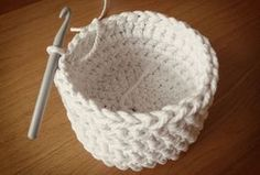 Free crochet pattern: chunky crochet storage tubs - Mollie Makes