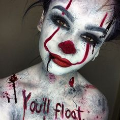 Are you looking for ideas for your Halloween make-up? Browse around this site for creepy Halloween makeup looks. Maquillage Halloween Zombie, Halloween Makeup Clown, Halloween Looks, Scary Clown Costume, Halloween Costumes Women Scary, Horror Movie Costumes, Clown Costume Women, Horror Costume, Chic Halloween