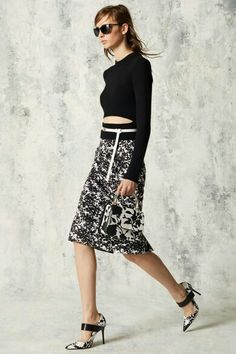 3f1235c91 Las 11 mejores imágenes de Falsas y vestidos midi | Midi dresses ...
