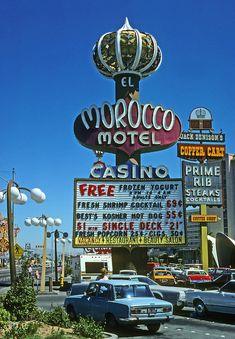 VINTAGE PHOTOGRAPHY: El Morocco Motel. Las Vegas, 1979. Demolished in 2005.