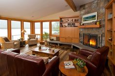 See more project details for Lake Oswego Lakefront Remodel by Riverland Homes including photos, cost and more.