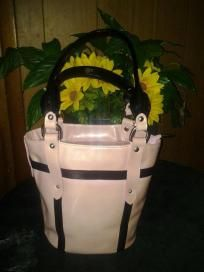 Frederic pairs pink shoulder handbag. Authentic. V pretty bag 4 her free ship 4 $ 64.99 size lens 12