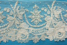 58 ins antique/vintage Brussels point de gaze needle lace border - roses