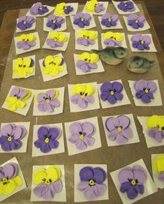 Tutorial on making a piped pansy...These pansies are so pretty...I couldn't believe they are piped!!!