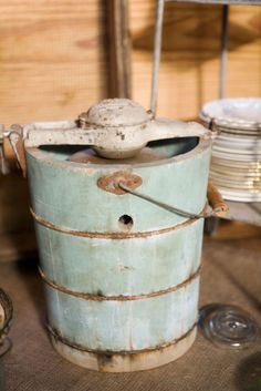Vintage Ice Cream Maker ~ We Used One Just Like It When I Was Little
