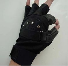 Noodles & Potatoes - Studs and Leather Gloves