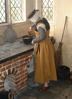 Historical Costume Tutorials This webpage is designed to help new participants make clothing suitable for taking part in the Tudor re-creations at Kentwell Hall.
