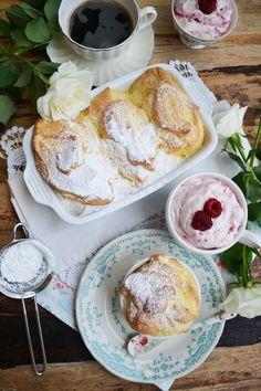 Wir schweben auf Dessertwolke sieben! Fluffig, luftig, duftig, lecker. Perfekt. Mit Himbeerobersein Hochgenuss! Salzburger Nockerl gehören bei meiner Mama und mir schon seit langer Zeit auf unsere…