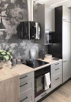 Asuntomessujen kohteen numero 17 Keuda keittiöstä löytyy Falmecin Prestige -liesituuletin mustana. Kohteen suunnittelu ja kuvat: Katariina Leppilampi #lapetek #asuntomessut2020 #liesituuletiin #musta #keittiö The Prestige, Double Vanity, Kitchen Cabinets, Led, Home Decor, Houses, Decoration Home, Room Decor, Cabinets