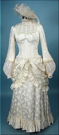 Little House on the 1867 Historical Costume, Historical Clothing, Couture Outfits, Fashion Outfits, Edwardian Fashion, Vintage Fashion, Antique Clothing, 1800 Clothing, Vintage Dresses