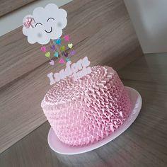 Chuvinha de amor para o 1° mesversario da Isadora  #doçurasdasheyla #bolo #instabolo #bolos #doce #mesversario #bolochuvadeamor #babadinho
