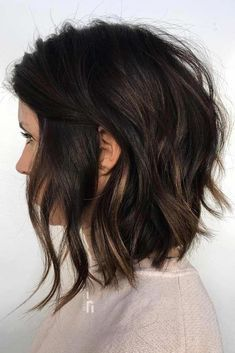 Wavy Stacked Medium Bob #featheredhair #featheredhaircuts #haircuts #mediumhair #bobhaircut ❤️ Want to get feathered hair? Here you can find the latest ideas that are popular in 2018 and will always be around: from awesome short and medium feathers to long, volumetric cuts. #lovehairstyles #hair #hairstyles #haircuts #bobhairstyles #mediumbobhaircuts #shorthair