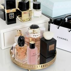 chanel, Prada, and perfume image Perfume Storage, Perfume Organization, Perfume Display, Perfume Tray, Makeup Organization, Perfume Chanel, Rose Perfume, Perfume Oils, Perfume Bottles