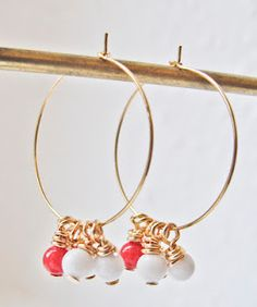 Gold earrings with tiny beads in white and coral